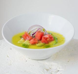 6 amazing, easy gazpacho recipes. To us, gazpacho = summer!Simple Vegan, Gazpacho Recipe, Closets Foodies, Yellow Tomatoes, Vegan Recipe, Soup, The Heat, Cilantro Oil, Tomatoes Gazpacho