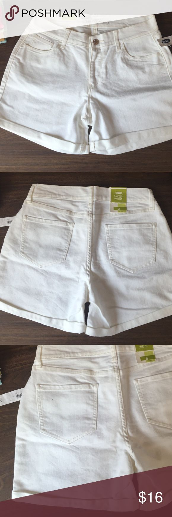 "Old navy white the sweetheart denim shorts new! 6 Old navy white ""the sweetheart"" stretch denim shorts, sits at waist, cuffed, brand new with tags, women's size 6 measures 32"" waist, 36"" hips, 13"" side length, 4"" inseam Old Navy Shorts"