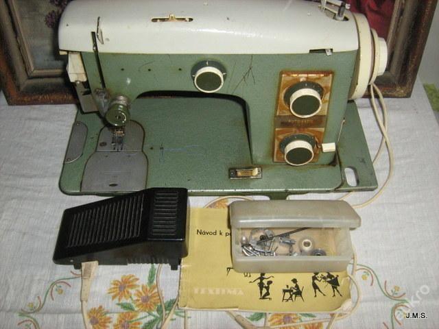 Starý šicí stroj funkční