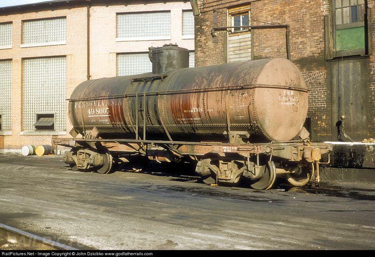 Prr 498605 pennsylvania railroad tank car at columbus