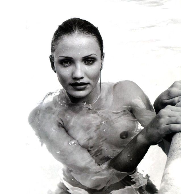 Cameron Diaz Nude Modelling 18