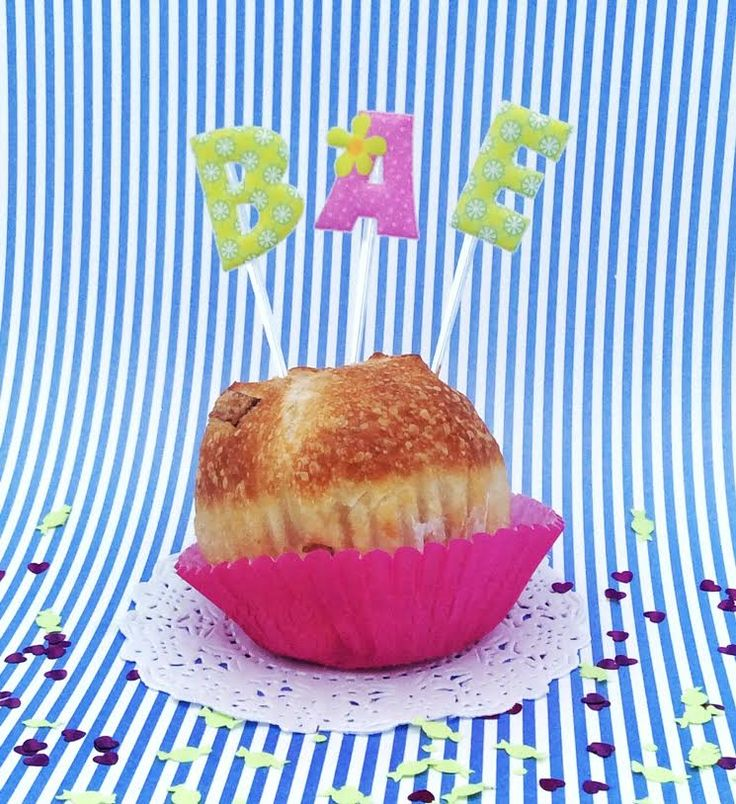 Toppers abc de Lovely Party para decorar cupcakes, pasteles y bocadillos.