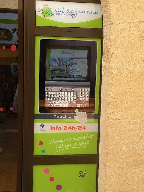 Borne interactive de l'Office de Tourisme Val de Garonne en Lot-et-Garonne