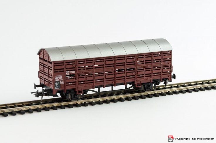 ROCO 4308S - H0 1:87 - Carro merci chiuso per trasporto bestiame DB modello Vlmmhs con confezione