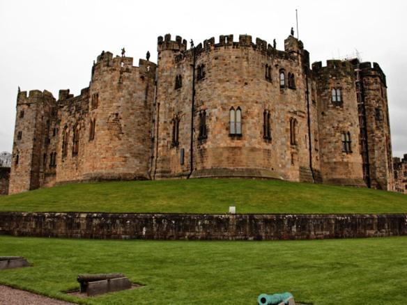 Alnwick Castle (Harry Potter Castle) - Northumbria UK