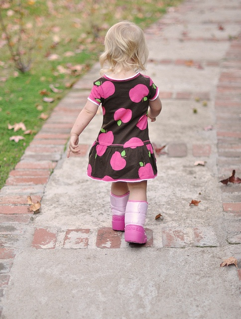 apple dress... pink moon boots by crocs: Casual, Apples Dresses, Crocstyl Inside, Pink Moon, Sugar Butts, Moon Boots