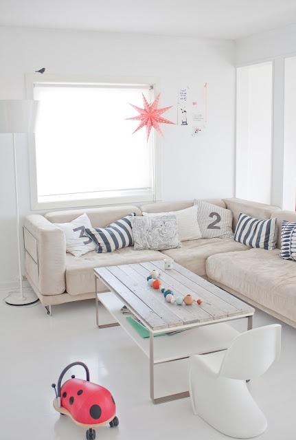 soft: Decor, Coffee Tables, Inspiration, Colors, Ifra Lahell, Cushions, Families Rooms, Living Rooms Ideas, Couch Pillows