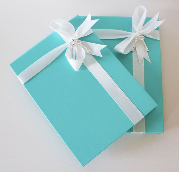 I want the front of my invitations to look like Tiffany boxes