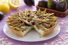 La crostata di fichi e mascarpone è un dolce gustoso e originale, ideale per concludere un pranzo o una cena durante la stagione estiva!