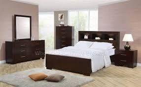 Aquí puedes ver muchas ideas de habitaciones o dormitorios masculinos. Puedes encontrar decoración de dormitorios de matrimonio masculinos, dormitorios juveniles masculinos y dormitorios infantiles masculinos. ¿Cuál es tu favorito?