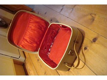 Vanity Case- reminds me of my tap lessons