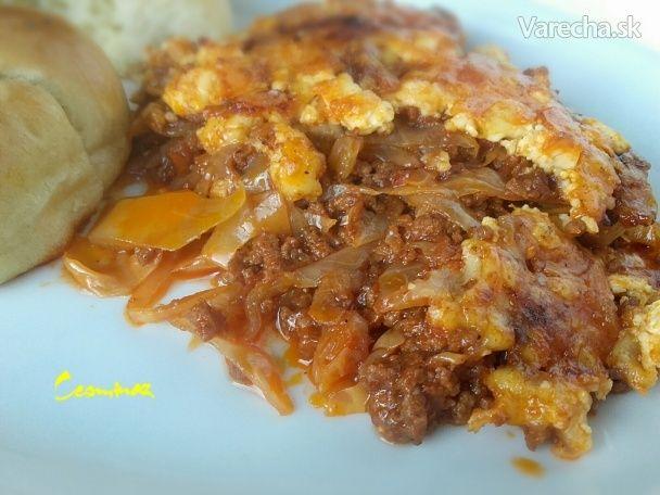 Zapečená paradajková kapusta s mletým mäsom (fotorecept)