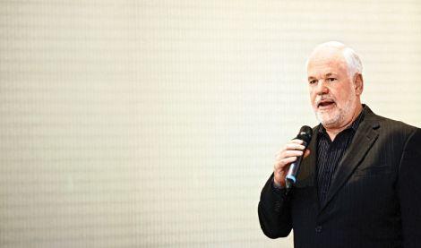 """""""Знания через практику"""" (интервью с Крисом Петерсеном, экспертом по технологическому ритейлу и основателем IMS Retail University)"""