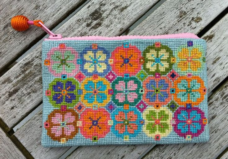 Embroidery small purse