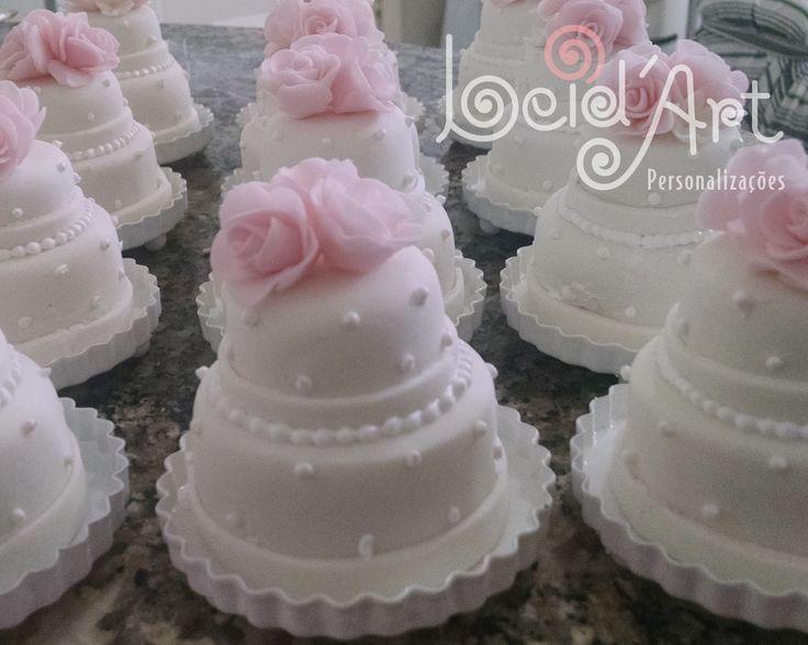 Lembrança de casamento personalizada. Mine bolo.