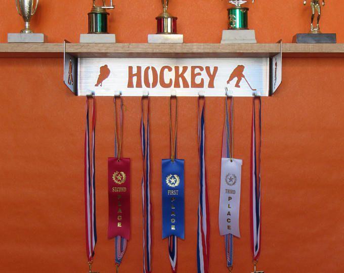 Plateau de trophée de hockey et l'affichage de la médaille