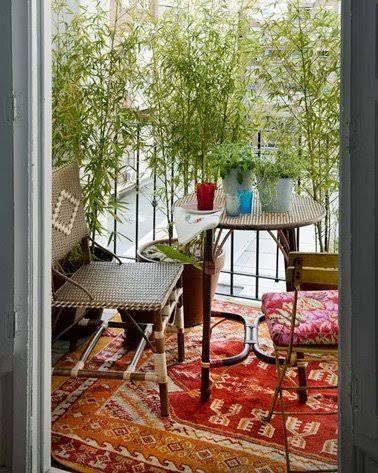 une dco de balcon sans vis vis avec brise vue en bambou
