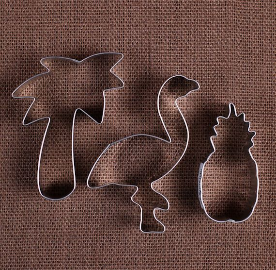 Hey, I found this really awesome Etsy listing at https://www.etsy.com/uk/listing/248670899/tropical-cookie-cutters-set-flamingo