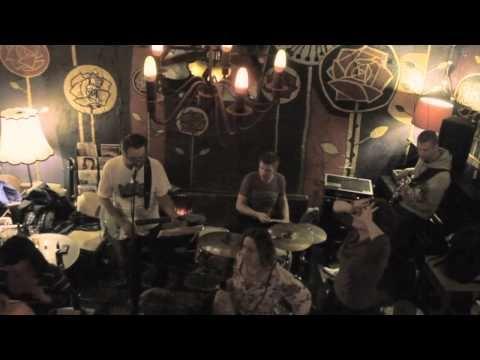 Haliboot Trio / W Oparach Absurdu