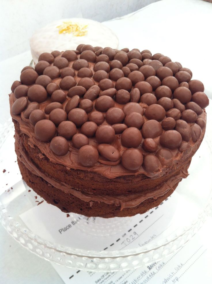 Ultimate revels chocolate cake…. by Lucy Simmons  http://www.heartkitchen.co.uk/recipe/ultimate-revels-chocolate-cake-lucy-simmons/
