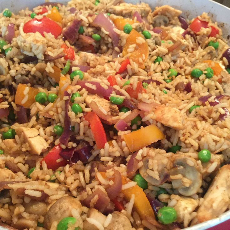 Mary Berry Malay rice adapted for slimming world. MARY BERRYS CHICKEN MALAY RICE (Adapted for slimming world) INGREDIENTS 2 chicken breasts, chopped into strips Pinch salt and pepper 1 tsp honey (1 syn) 2 large onions, chopped 1 red pepper 3 cloves garlic 200g button mushrooms, sliced 1/2 tsp mild chilli powder 1 tsp curry powder 250g long grain rice 150g frozen peas 4 tsp soy sauce METHOD 1. Cook the rice, add the frozen peas to the water 3 minutes before the end of the cooking. 2. Drain…