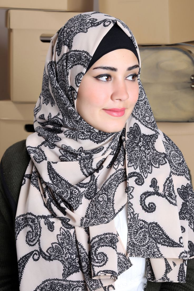 Classic shawls with nice black prints, gives you a charming look!  #islamicfashion #hijab #veil #hijabista #fashionista #shawl