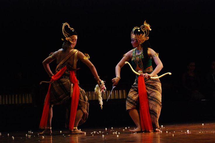 Priyambada Mustakaweni