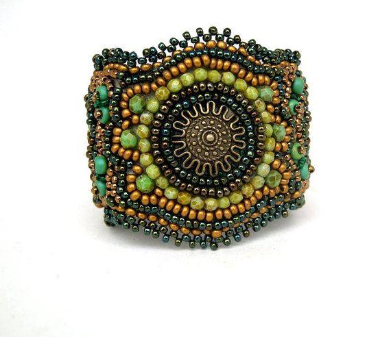 Bead embroidered bracelet, Beadwork, bracelet jewelry,Seed bead bracelet cuff, Beaded jewelry, Green and gold bracelet, OOAK