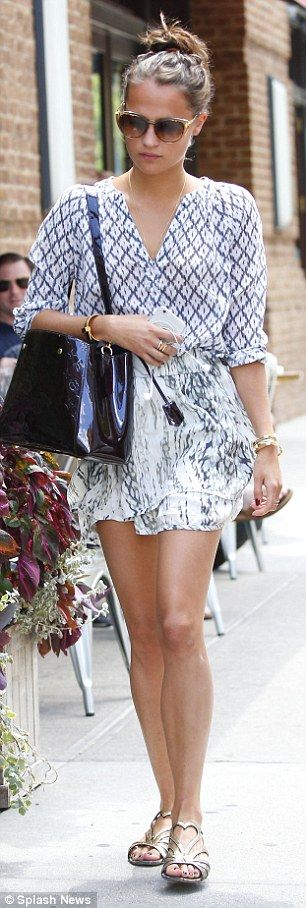 Alicia Vikander shows off her figure and effortless style in New York | Daily Mail Online