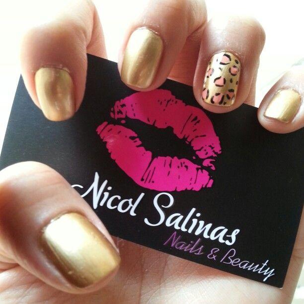 Golden nails with animal print deko