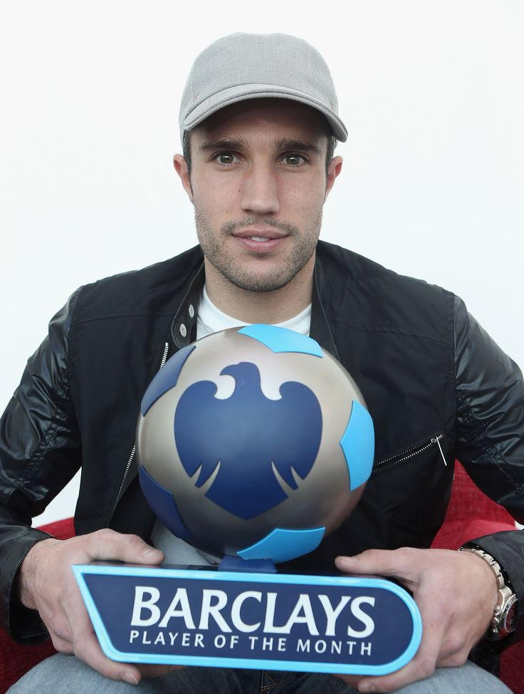 Robin van Persie scooped the Barclays Player of the Month award back in April 2013 after his excellent displays at club level for @manutd.