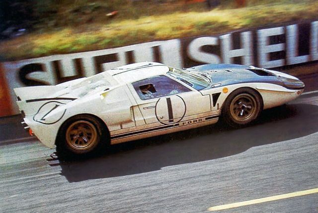 Ken Miles Bruce Mclaren Ford Gt40 Mk Ii Shelby American Inc Xxxiii Grand Prix D Endurance Les 24 Heures Du Man Ford Gt Ford Mustang Cobra Classic Cars