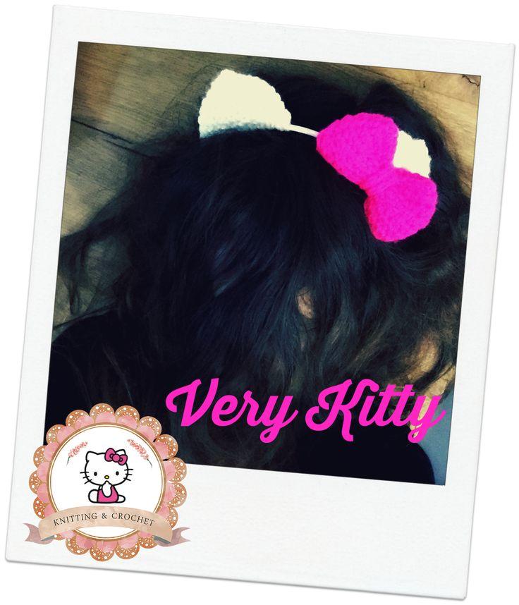 Crochet headband Hello Kitty hair accessories. Uncinetto Capelli Cerchietto accessori Hello Kitty
