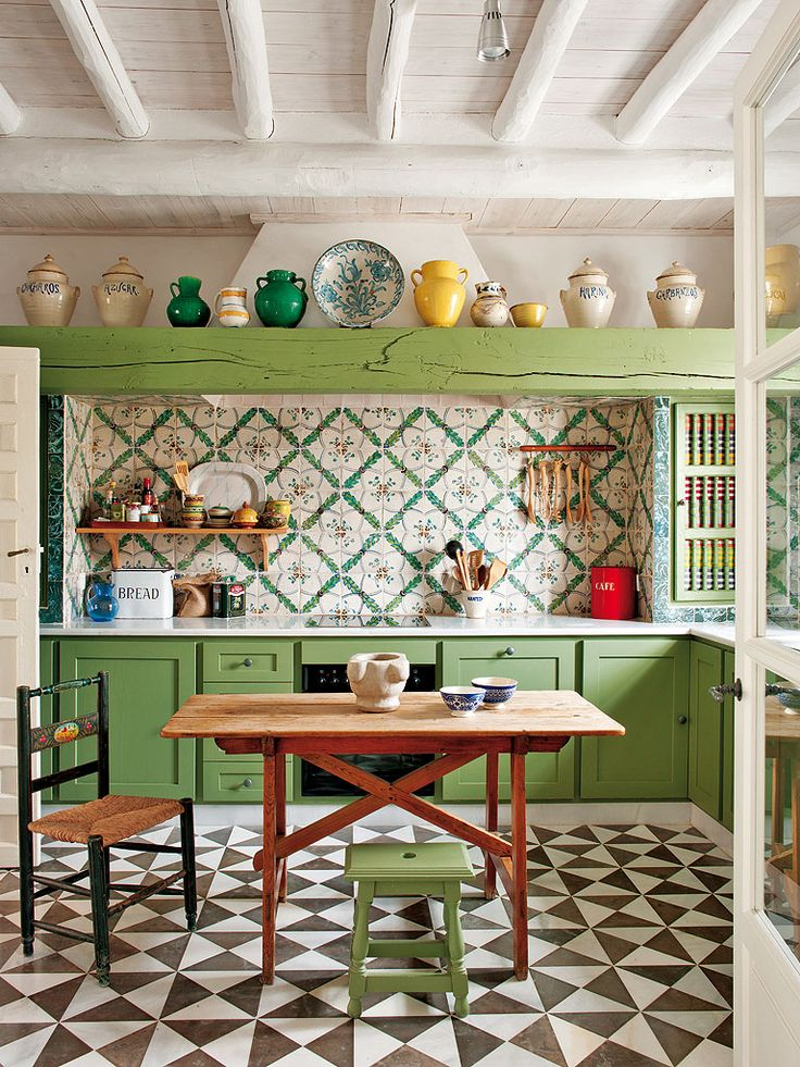 Green & White Kitchen in Carmona, Seville, Spain. Designer Javier Gonzalez Sanchez-Dalp. From... http://nicety.livejournal.com/1565355.html