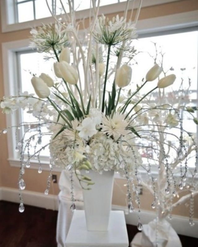 Winter Wedding A Little Wow For The Not Sure Where To Get Tulips In But Love This Arrangement With Beaded Icicle Look