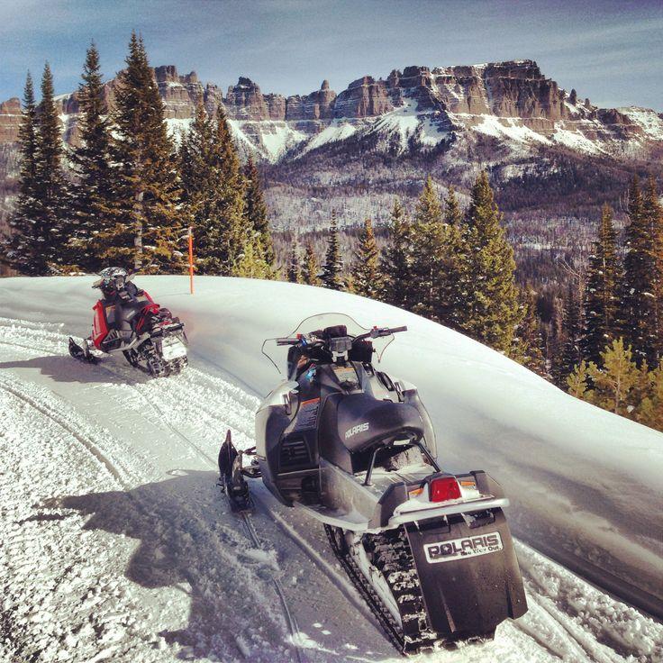 Snowmobile safari Wyoming