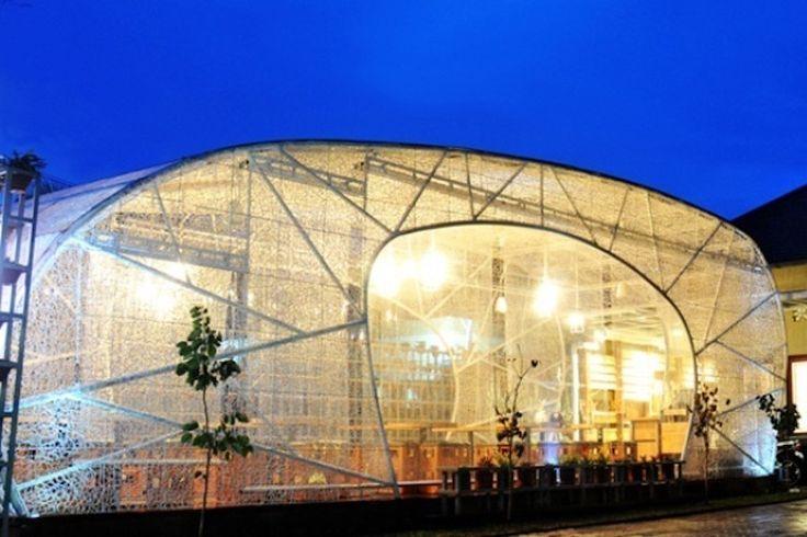 8 Cafe yang Punya Konsep Asyik di Bandung