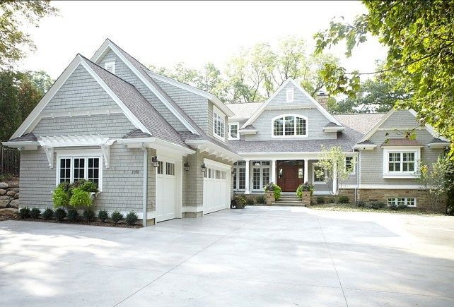 Love this! Except two story, and with a pool on the right side of the house and a deck out back ((: