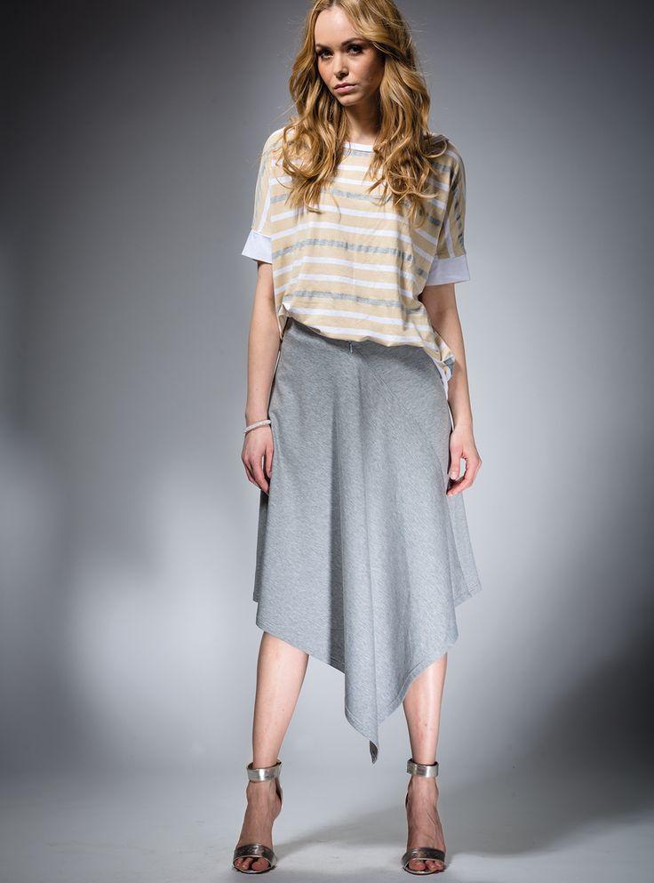 #Spódnica #asymetryczna z szerokim paskiem, zapinanym z przodu na suwak. Ma efektowny asymetryczny dół, który pięknie się układa. #spódnicaasymetryczna #mapepina #madeinpoland #fashion #trends #style #skirt