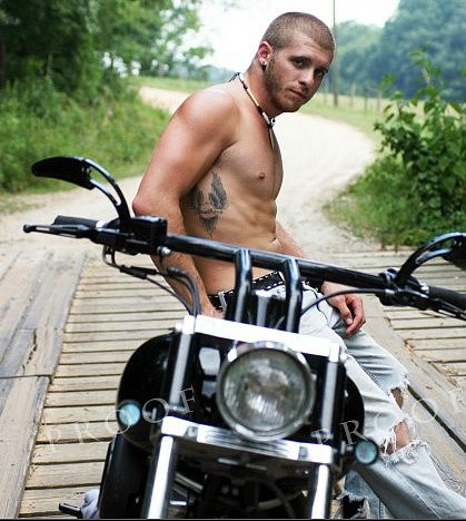 brantley gilbert photos | Ladies today your Eye Luv is the sexy country music star Brantley ...