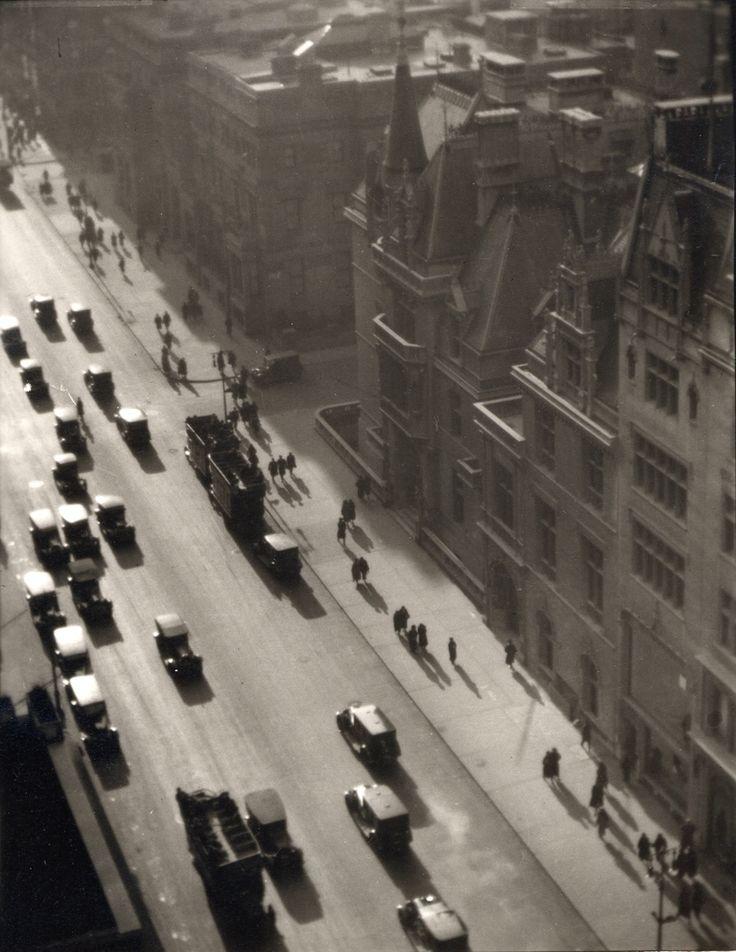 Ralph Steiner. Misty Day on Fifth Avenue, 1922 / 1980