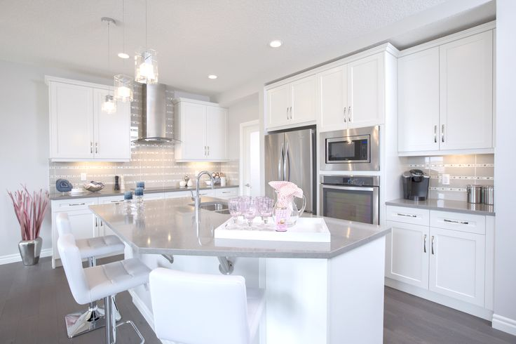 The Fairmont Kitchen In Evanston – Trico Homes – Check out the new homes built by www.tricohomes.com #homebuilder #tricohomes #calgary