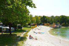 Horrebieter - Camping Drenthe. Gave waterglijbanen bij het ven. Zoover:8,6