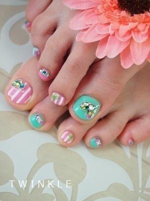 Toe Nails by DeeDeeBean
