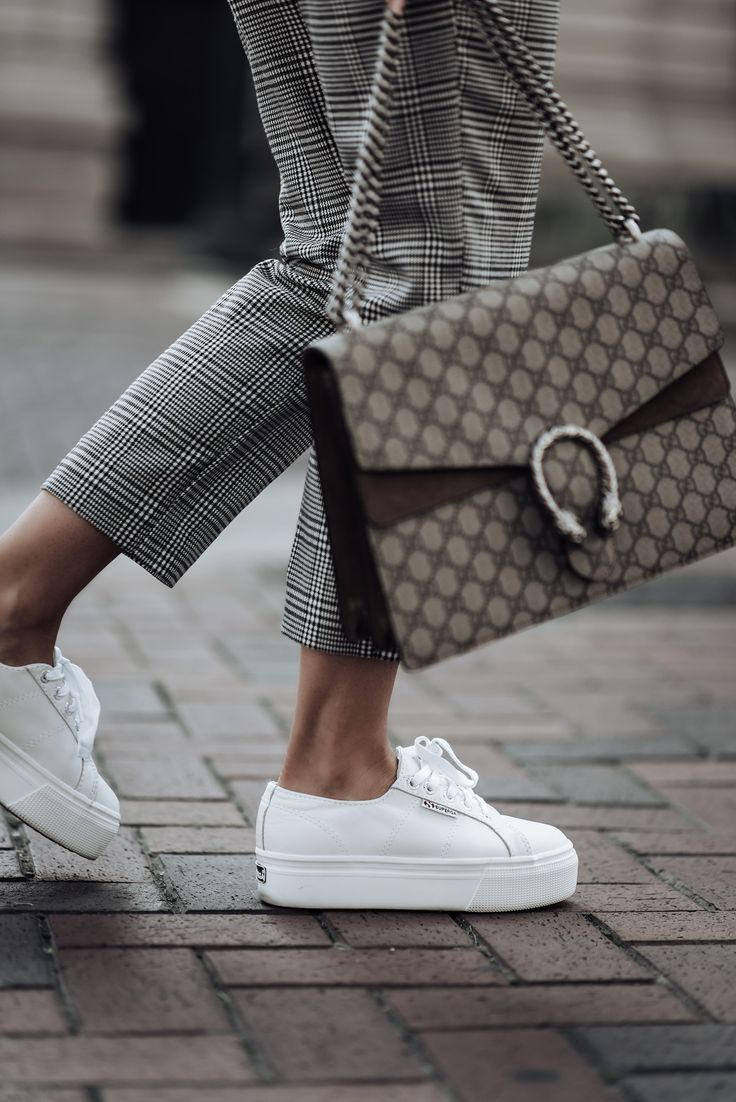 373b4f6d9c5 Check print pants currently trending 2018 street style