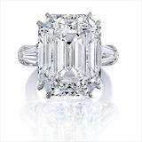 Get a Really Good Look at Mariah Carey's Massive Engagement Ring