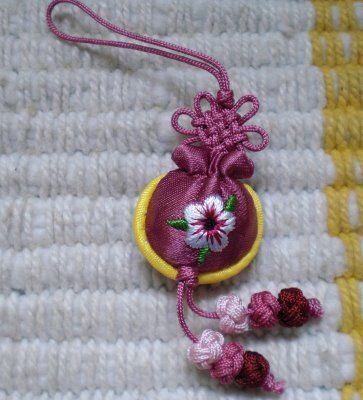 Korean knots..they are sooo pretty!