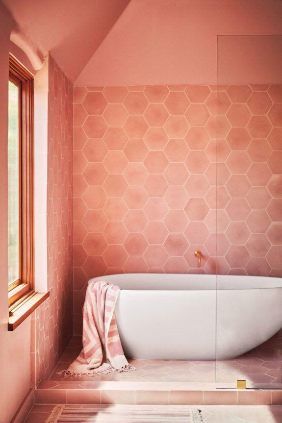Color Story Living Coral Sfgirlbybay Retro Bathrooms Coral Bathroom Bathroom Trends