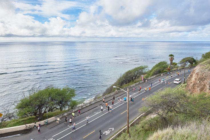 雄大な太平洋を望みながら走るダイヤモンドヘッドの周囲 / ホノルルマラソンで早期受付開始 4月14日から23日まで特別料金で #ハワイ #マラソン