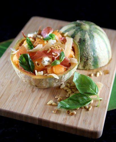 melon, parmesan, gorgonzola, jambon de parme, pignon, basilic frais, huile d'olive, citron